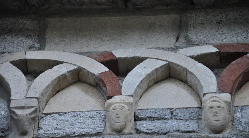 Montorfano, particolare chiesa San Giovanni Battista